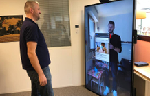 With its large touch screen, La Vitre wants to revolutionize video calls