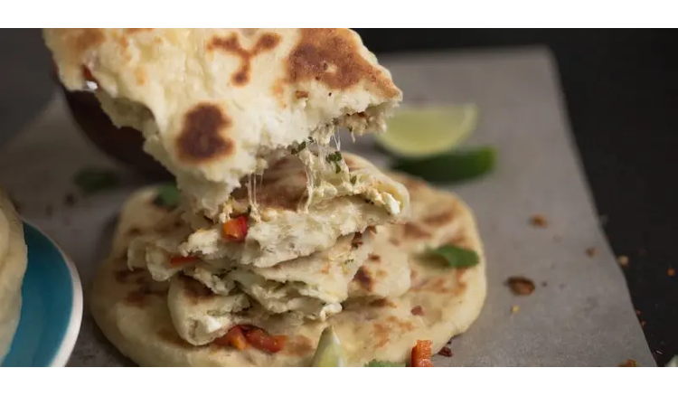 How to make Indian naan cakes with curd filling