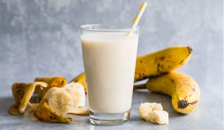 How to make Banana Milkshake