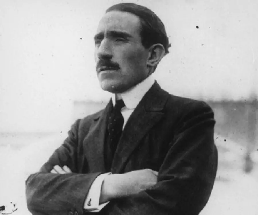 Louis Renault - Founder of Renault, Timeline, Family - Louis Renault  Biography